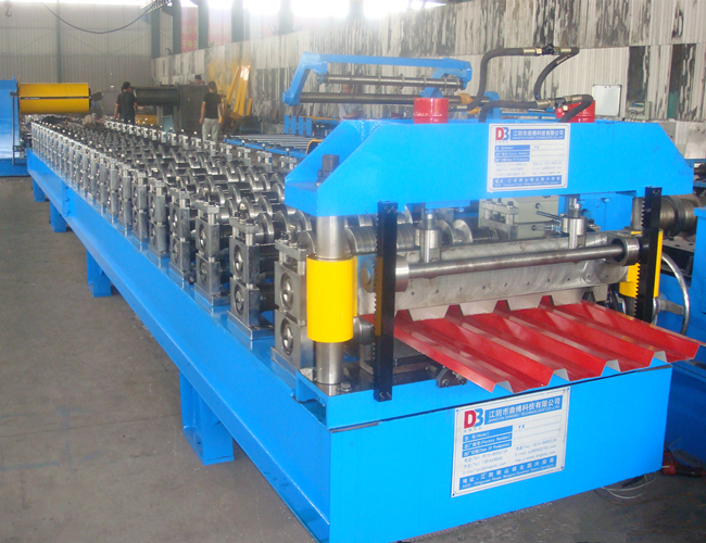 China Manufacturers Metal Roof Panel Roll Forming Machine